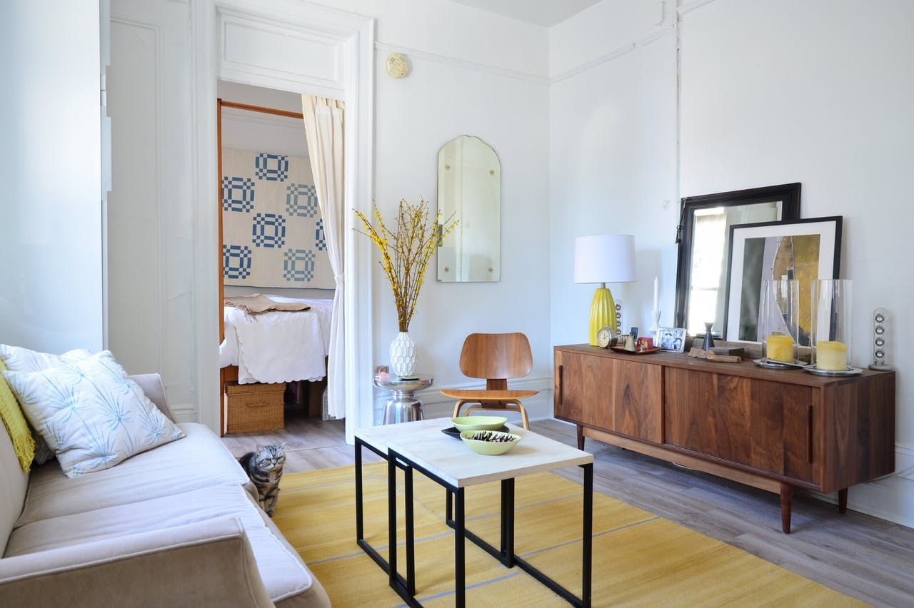A 325 Square Foot West Village Studio Feels Much Larger Than It Is Small Apartment Tour Country House Decor Small Apartments