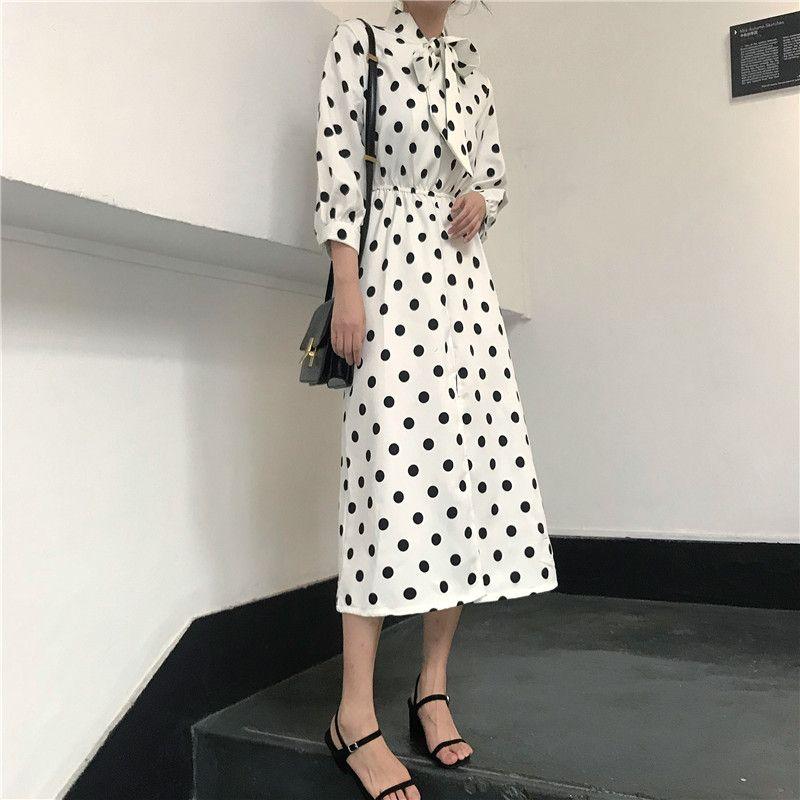 今季注目のドット柄ワンピース 韓国 ファッション 水玉 ワンピース 大人 フェミニン 可愛い お出かけ デート a line dress dresses midi dress