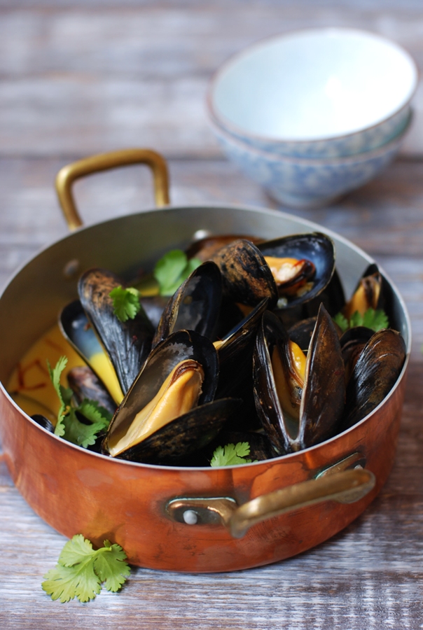Coconut Curry Mussels - pretty straightforward recipe for doing mussels at home.