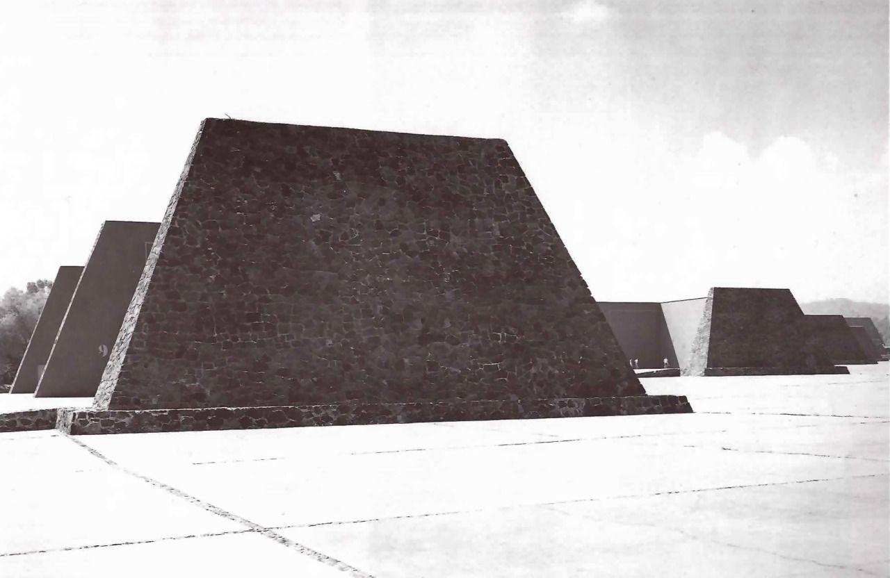 Frontones, Ciudad Universitaria (UNAM), Ciudad de México 1952  Arq. Alberto T. Arai  Foto. Armando Salas Portugal -   Fronton courts, University City (UNAM), Mexico City 1952