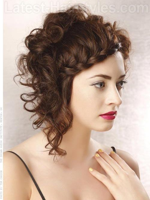 37 Cute Easy Hairstyles For Short Curly Hair Curly Hair Styles Short Curly Hairstyles For Women Short Curly Hair