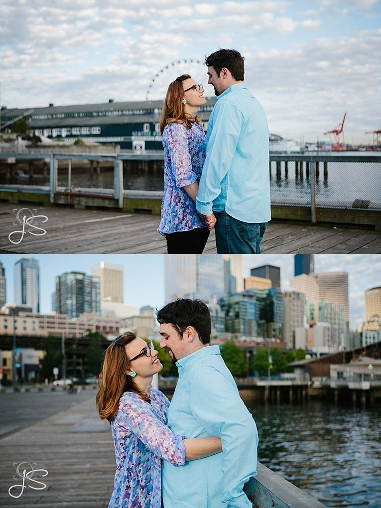 engagement photos on Seattle's Waterfront