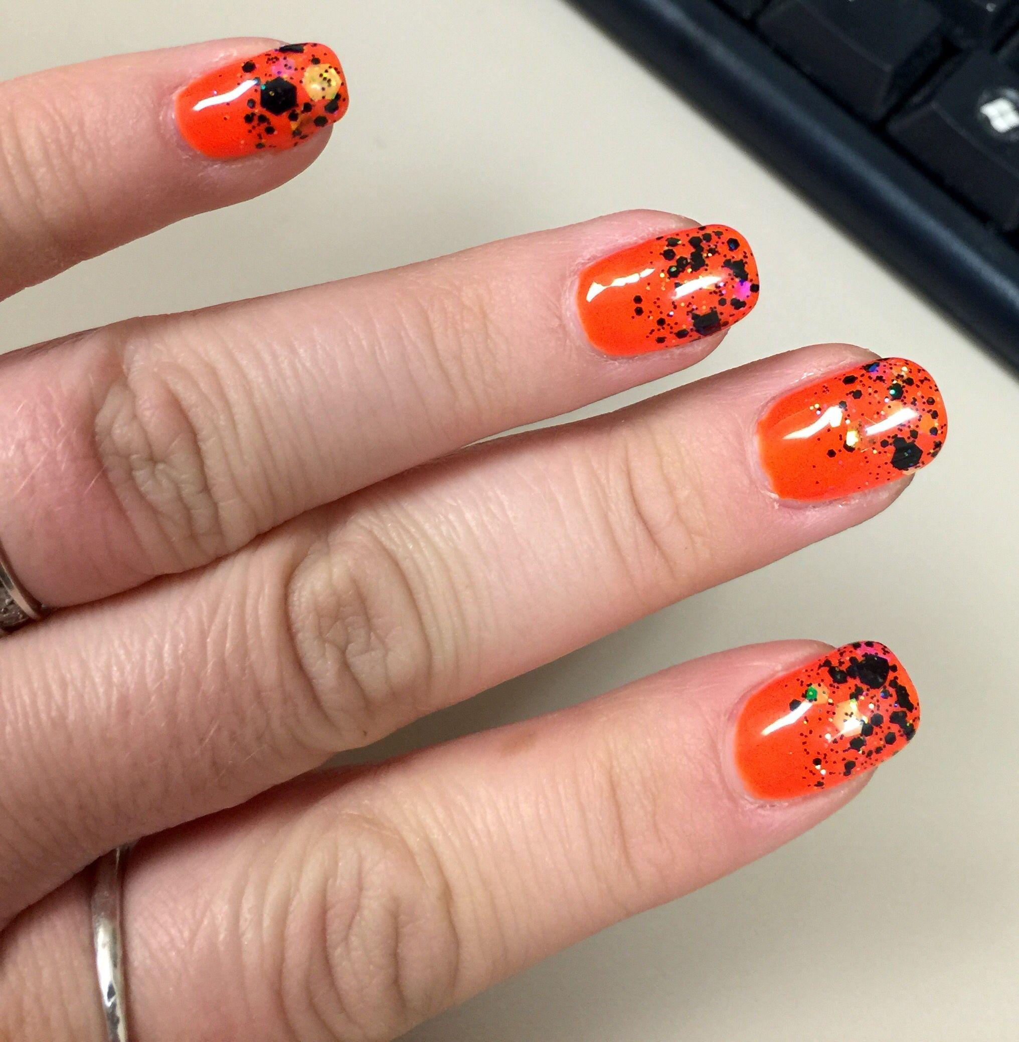 Halloween nails, orange nails, black glitter, glitter nail ...