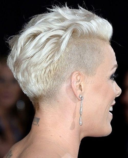 Felnyirt Noi Frizurak Oldalt Felnyirt Faux Hawk Short Shaved Hairstyles Pink Haircut Thick Hair Styles
