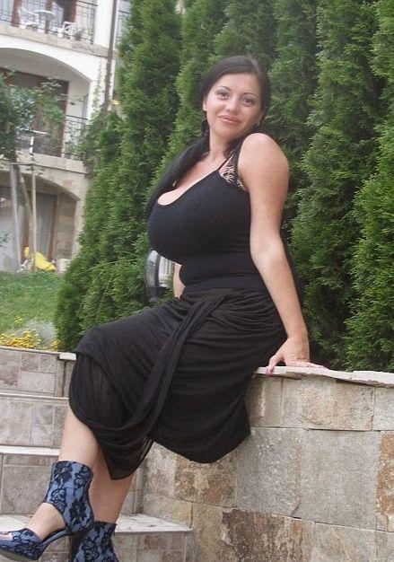 Sex naked girl big fake boobs