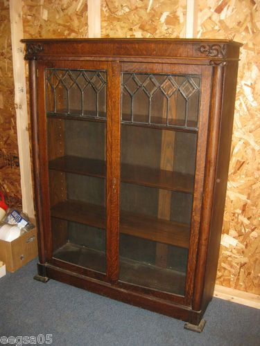 IN MAINE  LEADED GLASS DOOR SOLID OAK BOOKCASE 62  TALL 4 SHELVES & In maine  leaded glass door solid oak bookcase 62