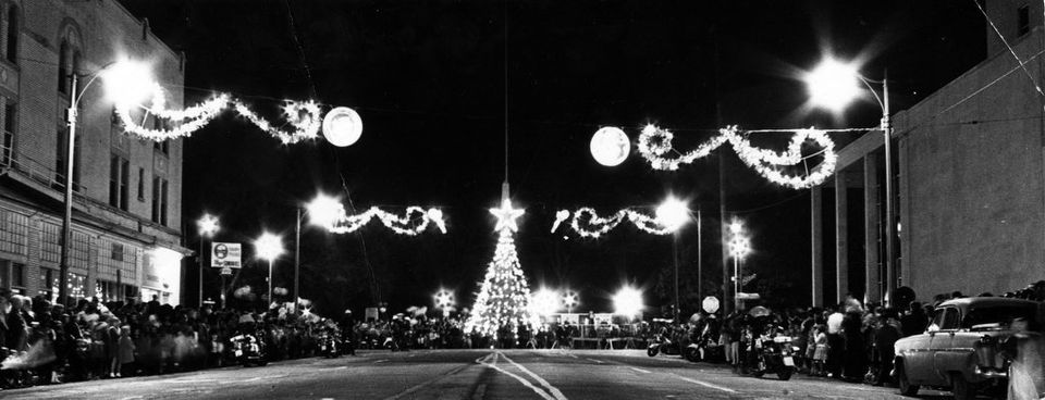 Vintage Alabama Photos Show Birmingham During Christmas In 2020 Alabama Christmas Photo Alabama