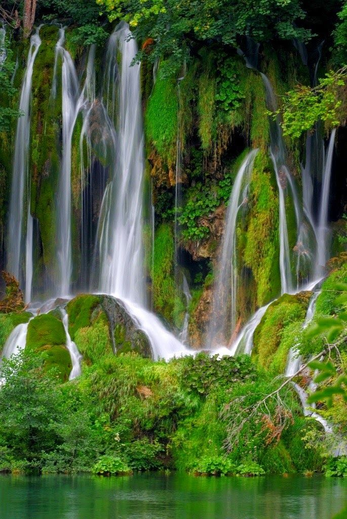 10 Best Places To See Beautiful Waterfalls In The World Lenyugozo Termeszet Taj Vizeses