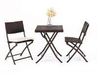 Juego de mesas y sillas plegables de ratán sintético para