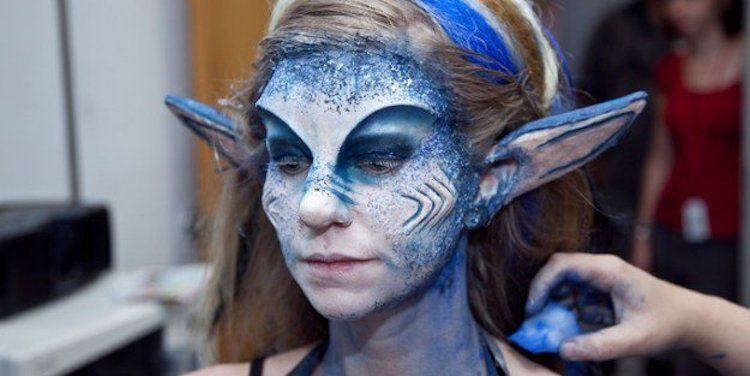 Want to plan ahead for a costume party or Halloween? Check out these 25 crazy and unreal special effects makeup tutorials that are beyond scary.