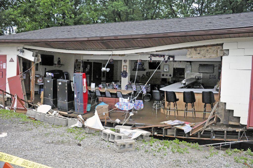 Flood cleanup underway as wayne county waters begin to