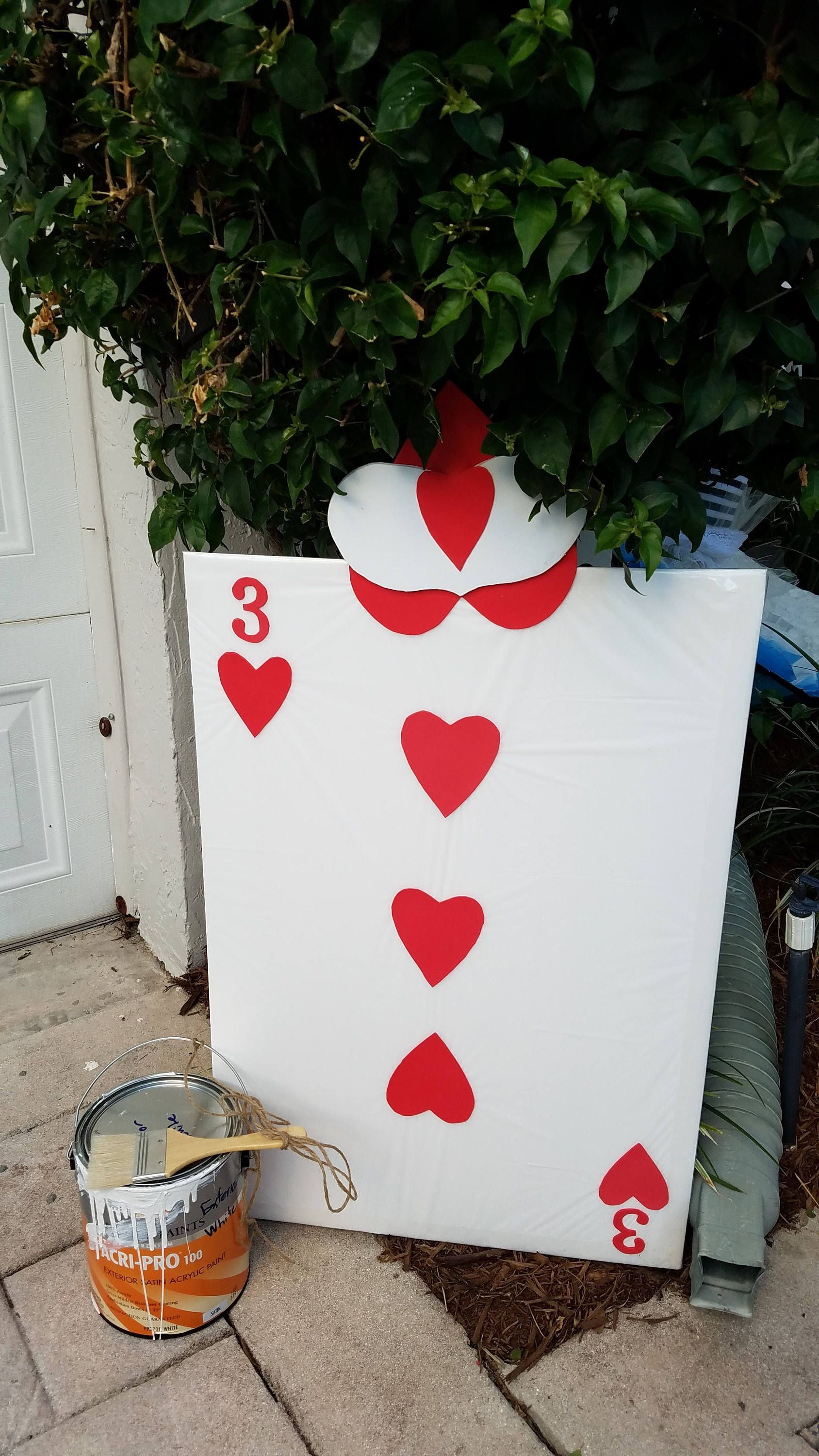 Card Of Hearts Soldier Template Alice In Wonderland Alice In Wonderland Make Your Own Card Alice In Wonderland Party