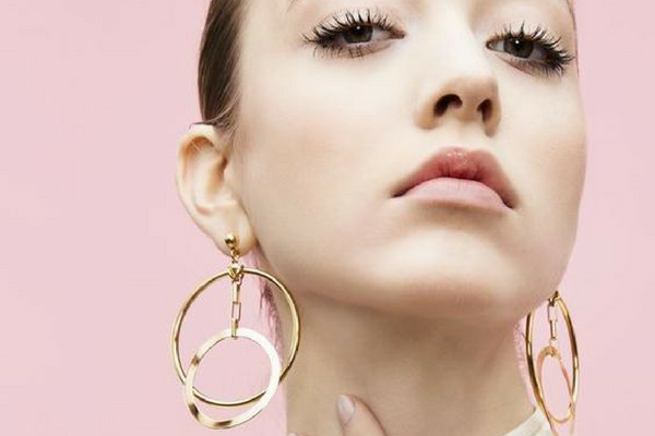 779b49a81 The Best Statement Earrings to update your look for Spring!  www.shopinnermuse.com #statementearrings #springstyle