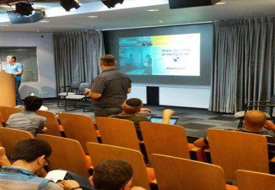 NoviSign presents innovative digital signage experience at the Amdocs OSS Hackathon 2015