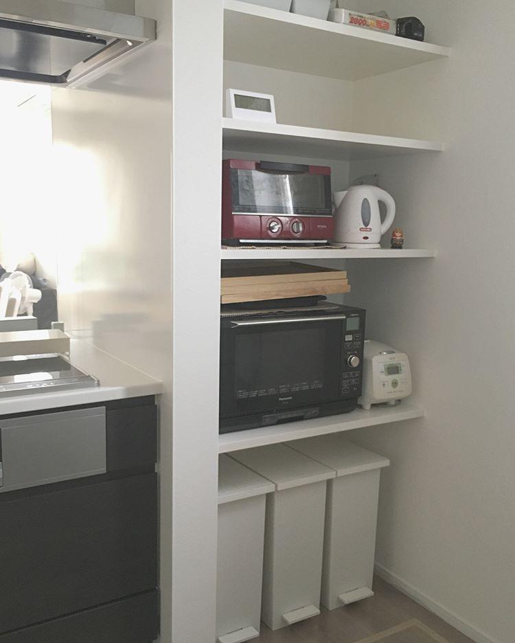 My Home I Instagram キッチン家電 キッチン周りを考える際に オーブンや電子レンジ 冷蔵庫は 目立つところに置きたくないと 思いました そこでキッチン横に スペースをつくり そこに置くことに キッチン キッチン 家電 キッチンデザイン