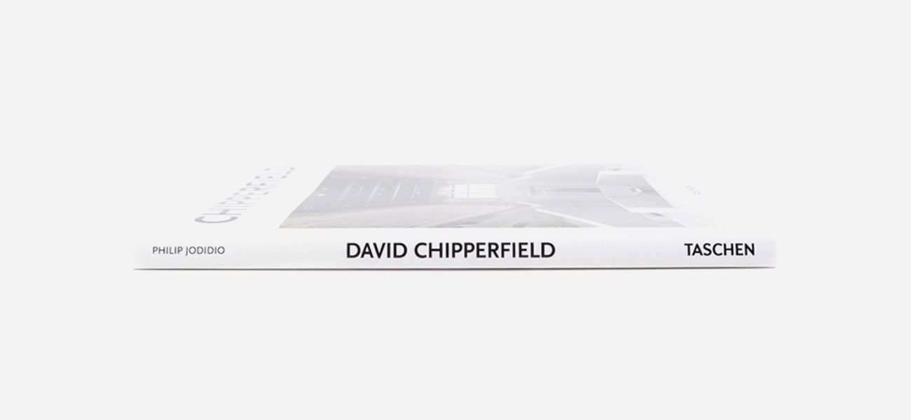 Ob in Berlin oder Beirut – David Chipperfield strebt eine Architektur an, die auf Zusammenarbeit, Ideen und Exzellenz beruht: https://sturbock.me/lifestyle/magazine/#53028
