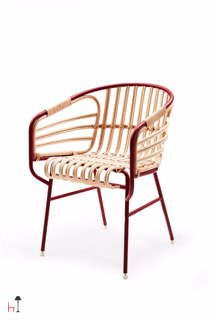 The Raphia chair by Casamania is the perfect convergence of modernity and tradition, of technology and craftsmanship.