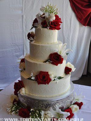 Stenciled Wedding Cake   http://www.tortesntarts.com