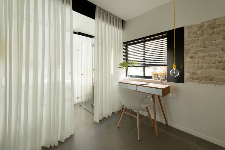 Tiny Tel Aviv Apartment work space ambientes Pinterest