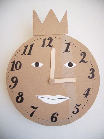 horloge carton cardboard pinterest horloge petits enfants et travaux. Black Bedroom Furniture Sets. Home Design Ideas