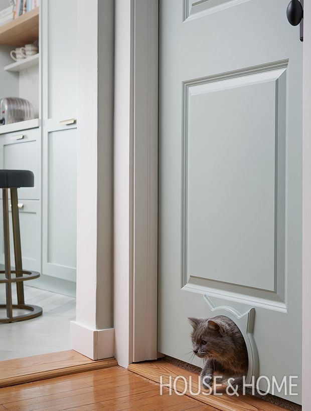 Celebrate 150 Years Of Style Peek Inside Our Favorite Canadian Family Homes Cat Door House Design Cats