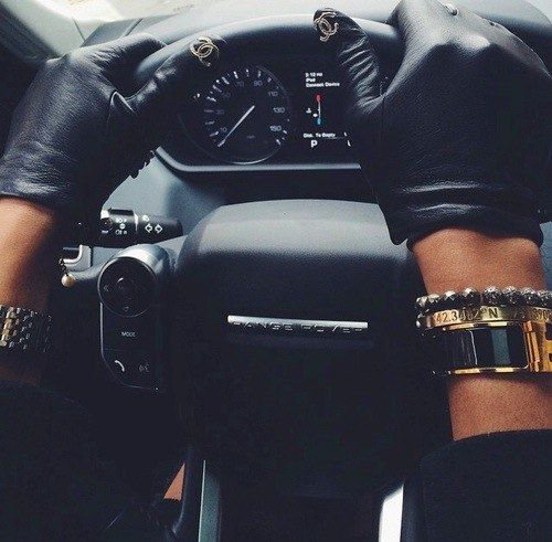 CHANEL driving gloves GAH! just look t the thumbs! too dope!