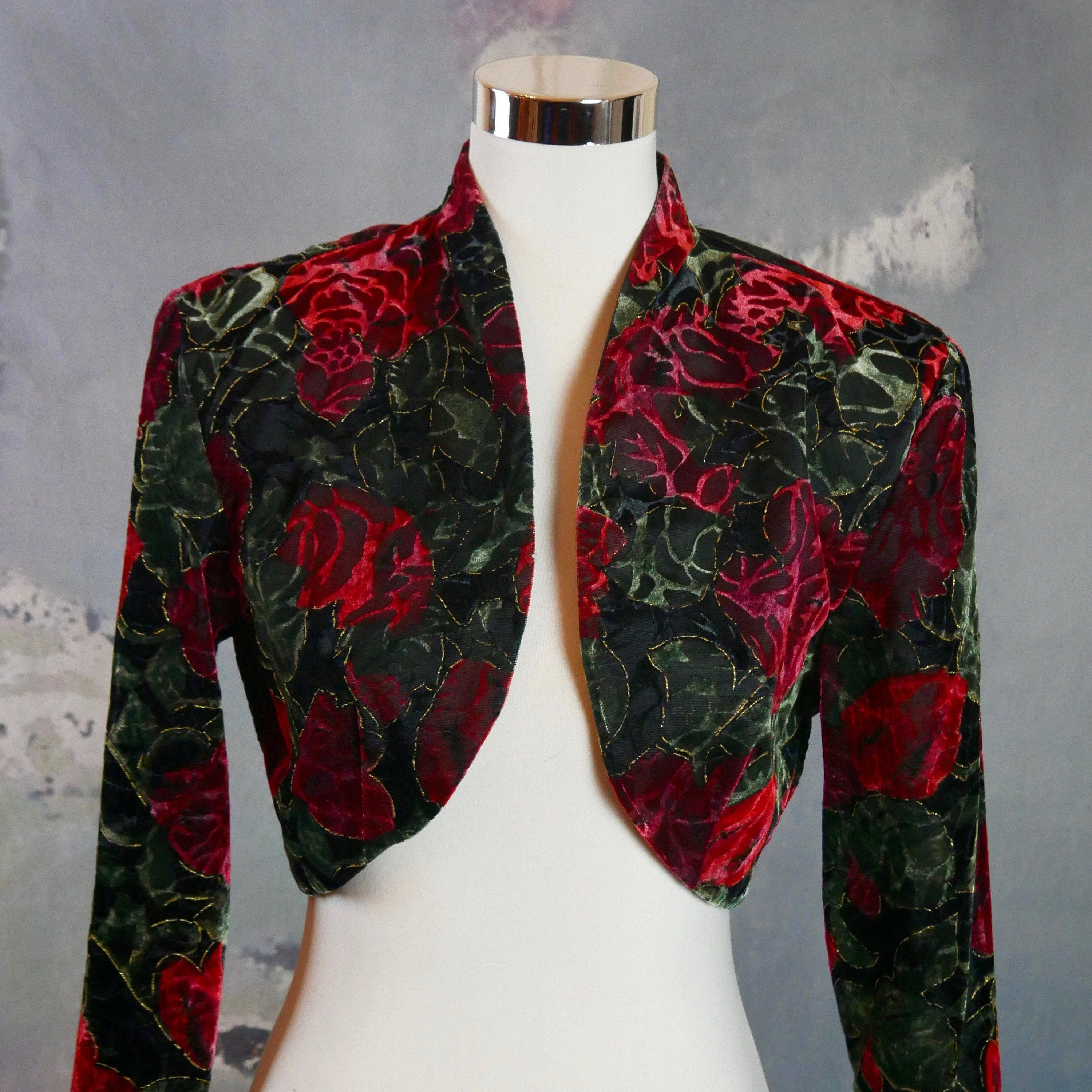 Floral Bolero 1980s American Vintage Black Red And Olive Green Cropped Blazer Size 8 Us 12 Uk In 2020 Cropped Blazer American Vintage Vintage Clothes Women
