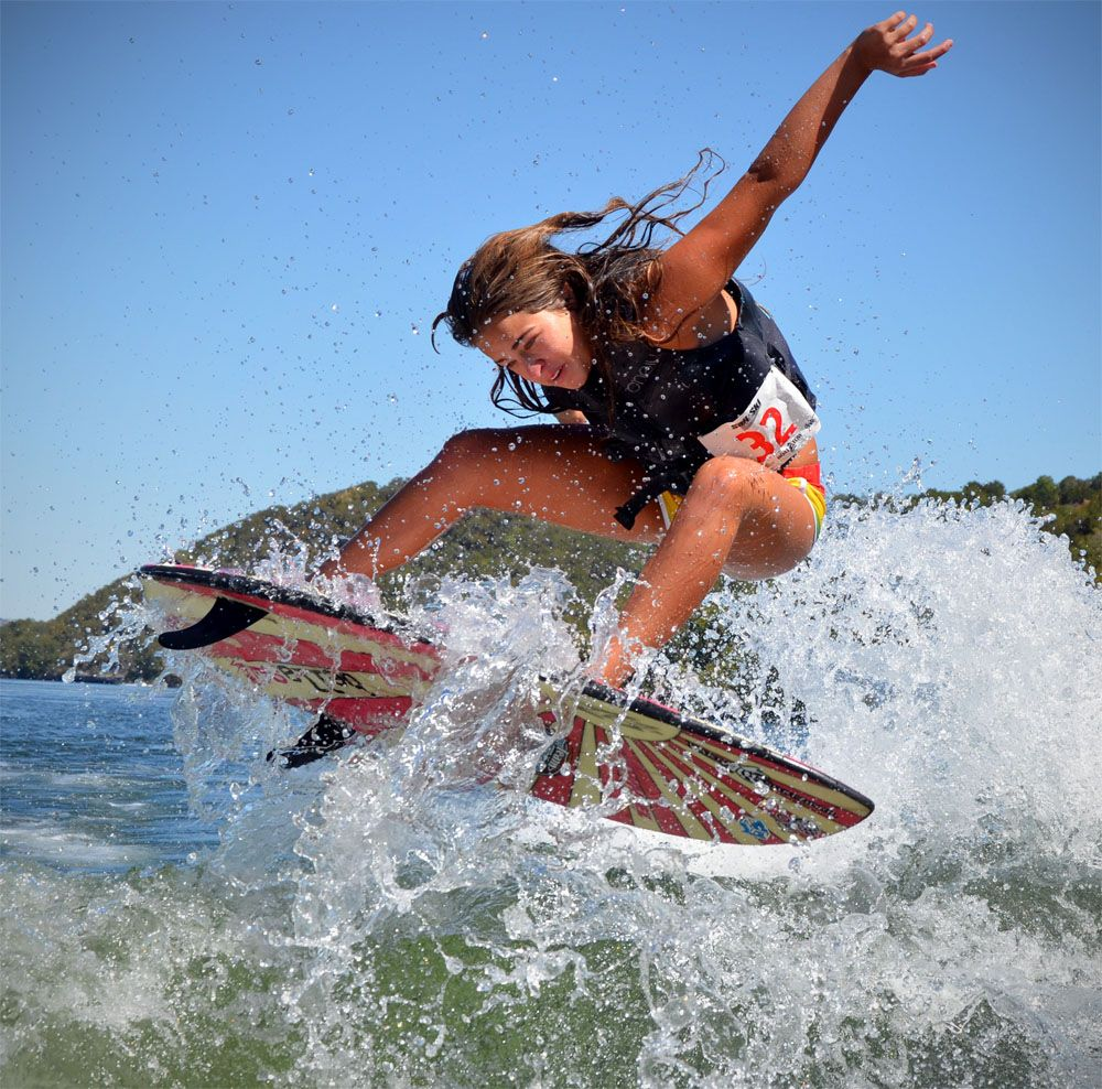 Surfing Barrels Bing Images Who Needs Wings When You Can Surf Kite Surfing Surfing Wakeboarding