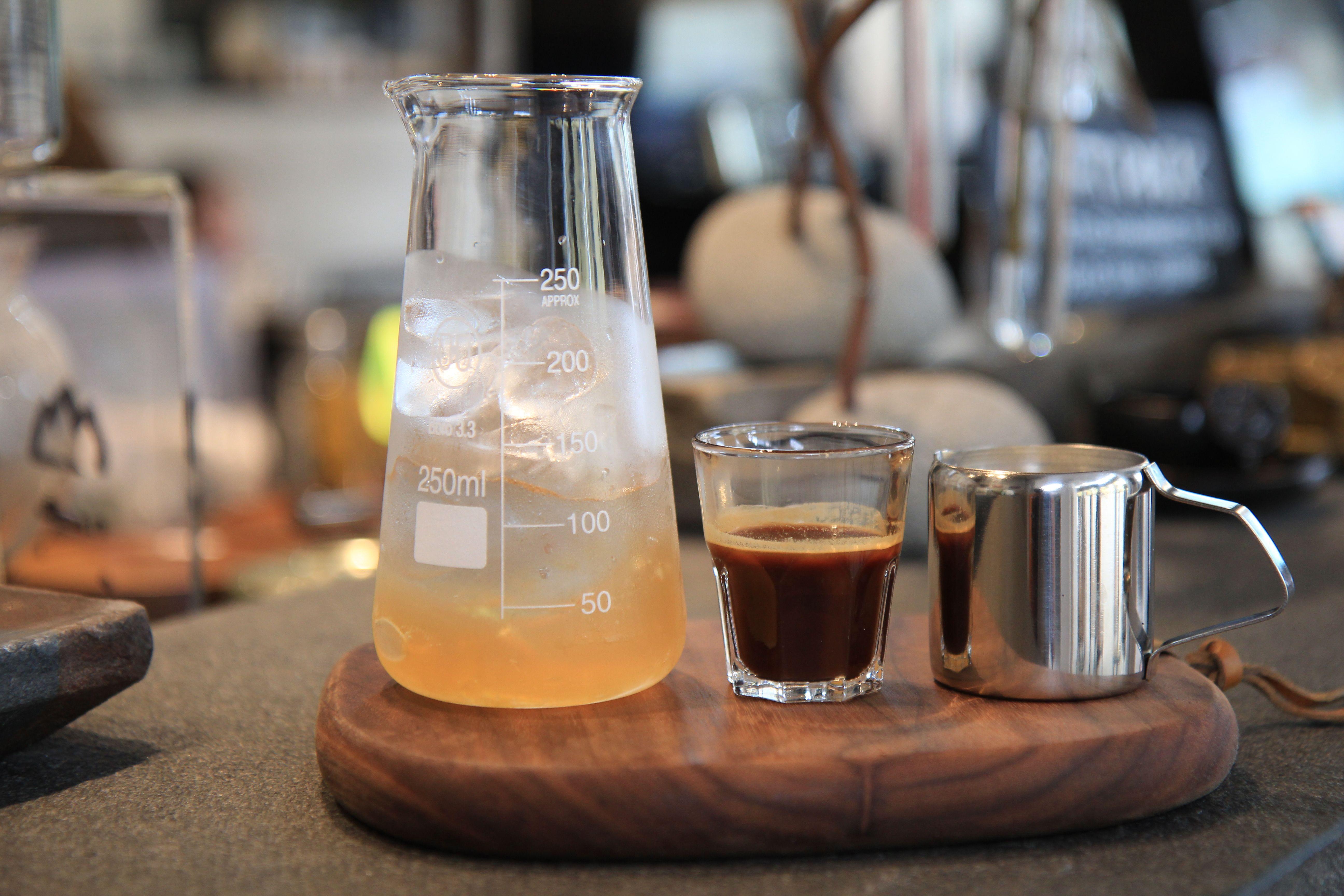 Iced Milk Jelly Coffee 山茶