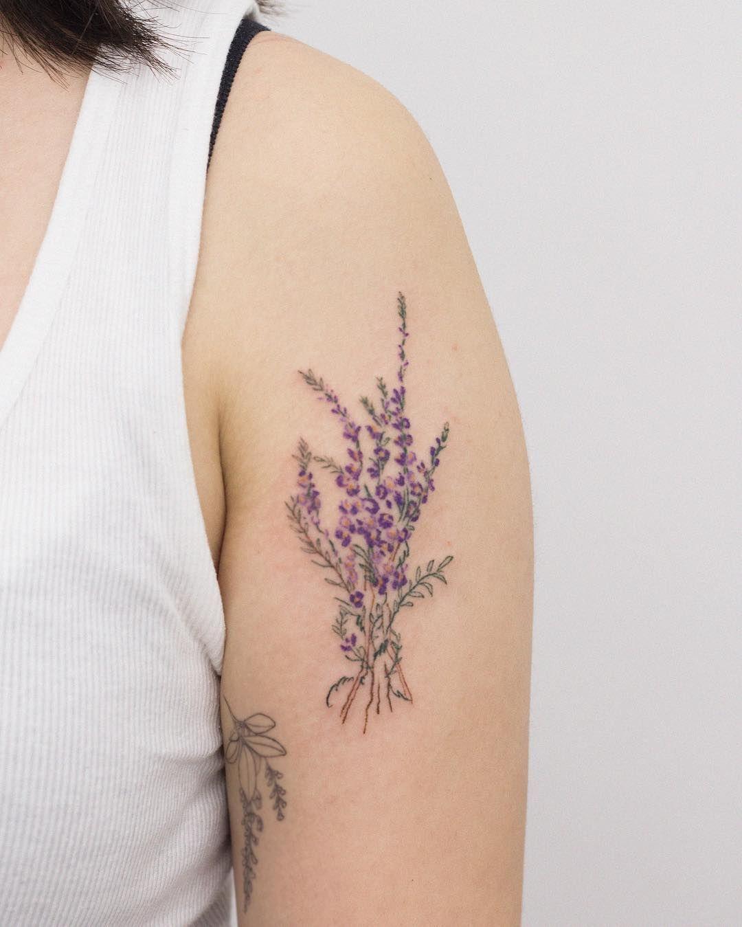 Dareum Darm Tattoo On Instagram Heather Flower For Heather Studio My O So Dareum Darm Flower Heather In 2020 Heather Flower Tattoos Cute Tattoos For Women