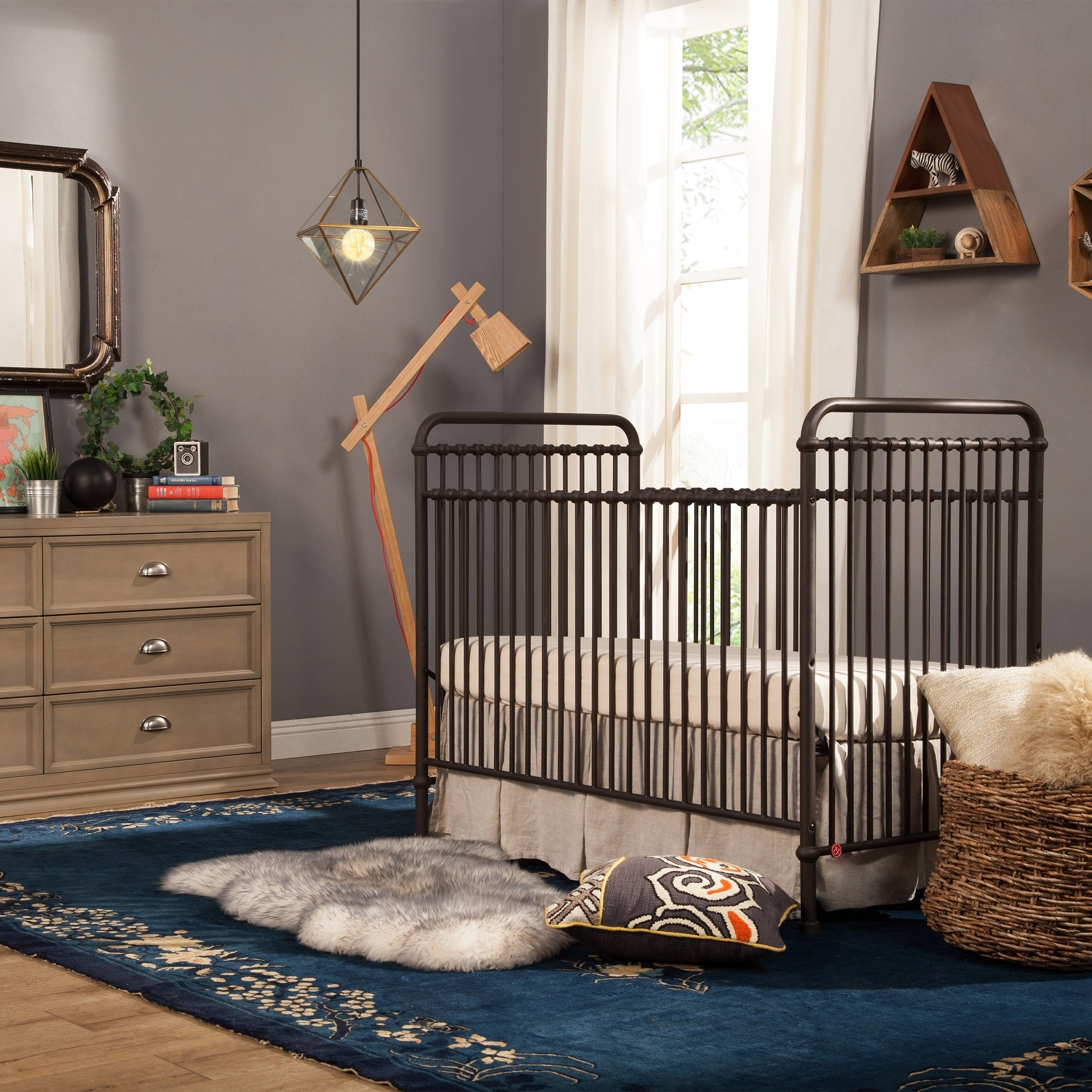 Million Dollar Baby Clic Aail 3 In 1 Convertible Crib Vintage Iron White
