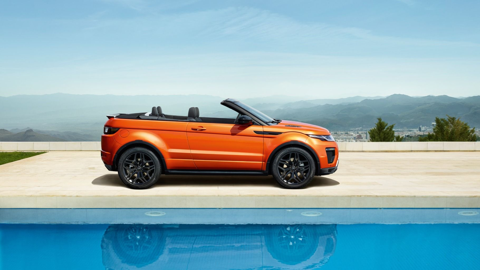 Good idea? New twist on a cross over. #LandRover Range Rover Evoque Convertible http://adventure.com/stories/land-rover-range-rover-evoque-convertible/