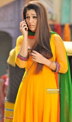 Nayanthara 's reaction on hearing prank call from a ...