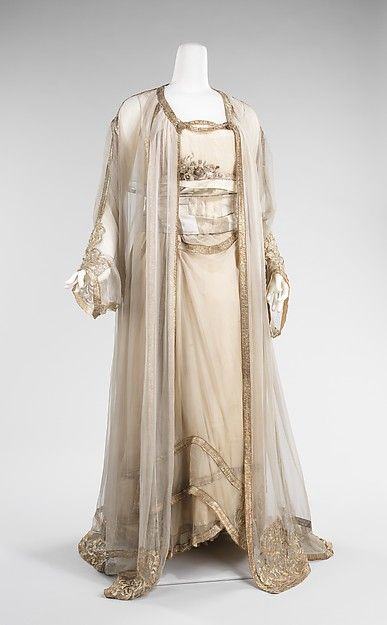 Evening ensemble (image 1) | French | 1910 | silk, metal |  Brooklyn Museum Costume Collection at The Metropolitan Museum of Art | Accession Number: 2009.300.3221a–c