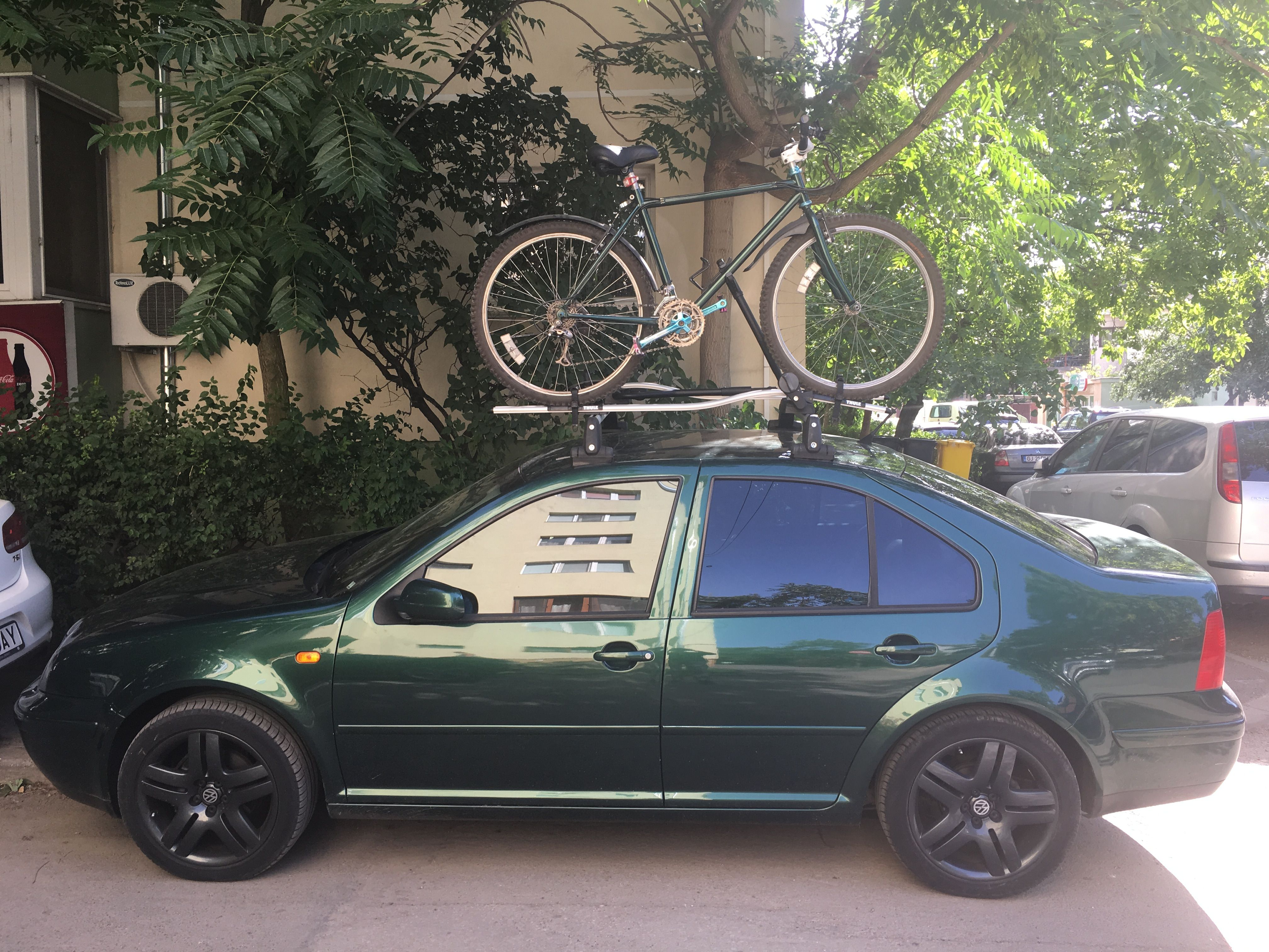 Vw bora jetta mk4 with 17 inch vw long beach wheels and original vw roof