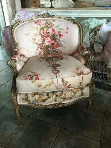 Floral chair comfy reading chair french country living - Floral country living room furniture ...
