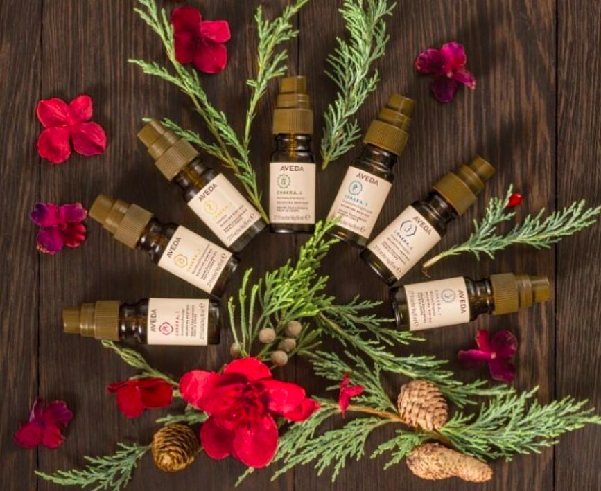We all adore the Holiday Season but it sure can be stressful! Make sure to take a few minutes to yourself and remain balanced ��� Our Aveda Mini Chakra Gift Sets make a thoughtful gift of wellness �Stop in at g Aveda Salon & Spa @downtownsummerlin to shop!