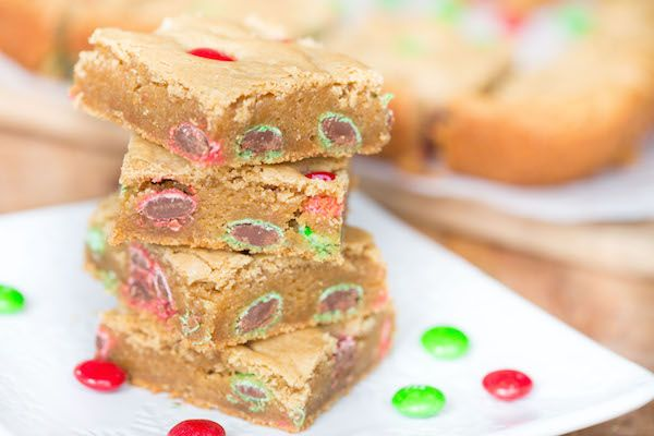Peanut Butter M&M Blondies have the perfect chewy edge to soft middle ratio that blondies should have!