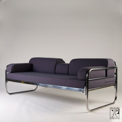Tubular steel couch daybed in the style of the bauhaus for Bauhaus sofa bed