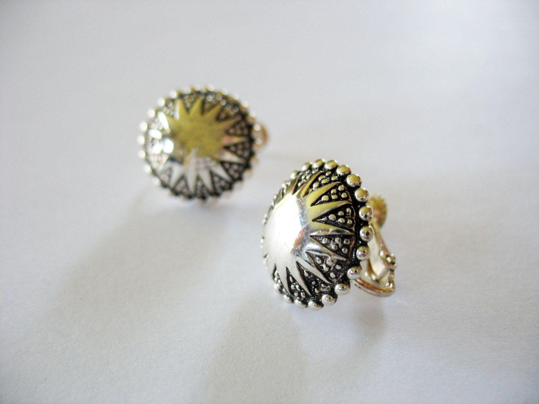 Napier Sunburst Earrings Medallions Silvertone Screwbacks 1980s by gussiegurl on Etsy