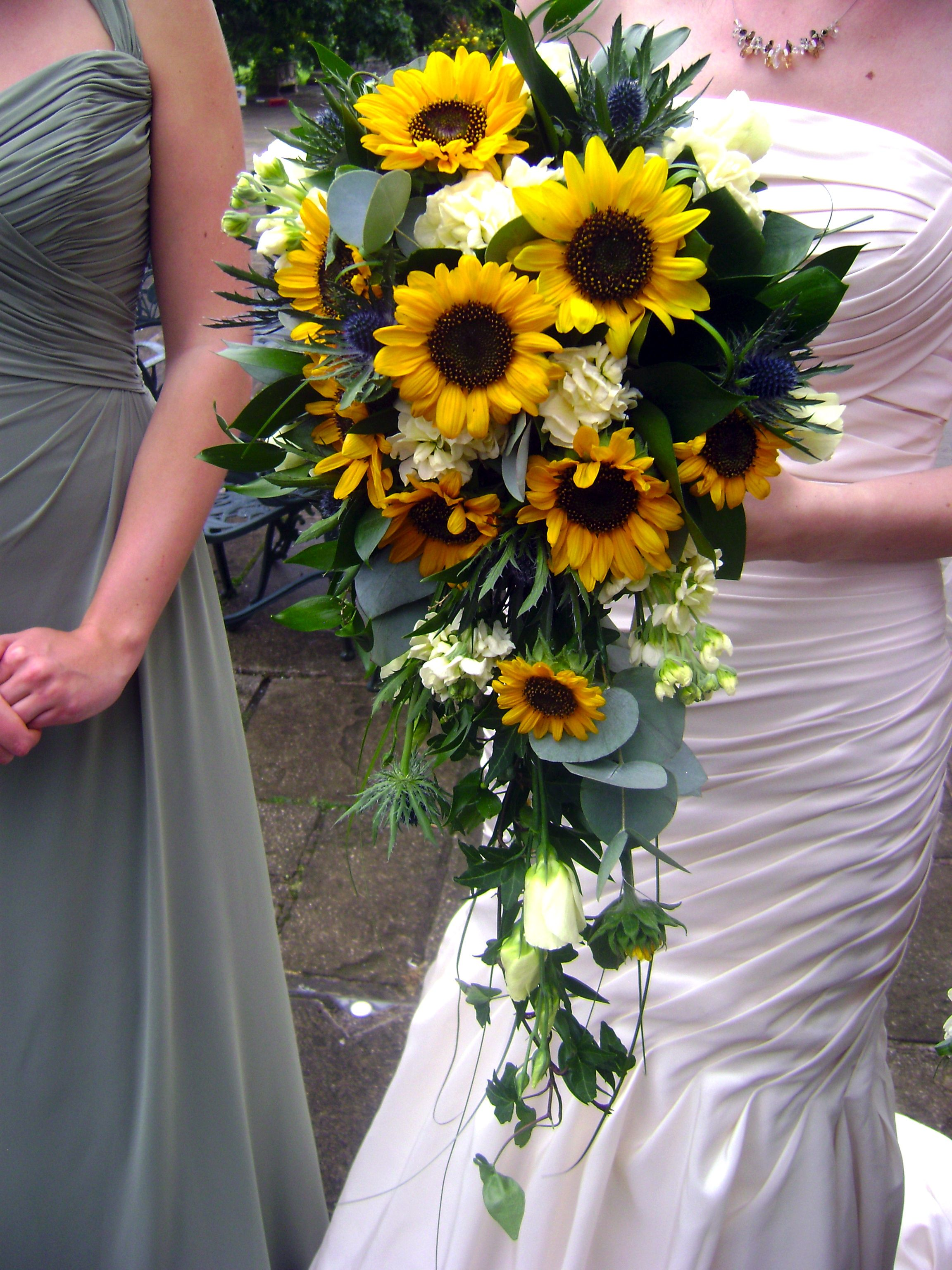 sunflower wedding bouquets ideas sunflower waterfall bouquet the dress 7829