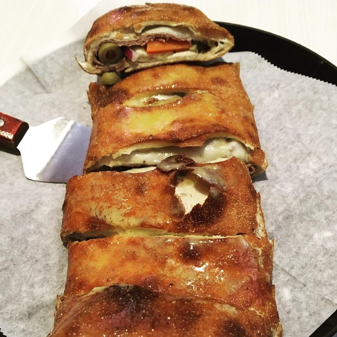 Italian Beef Stromboli: Italian Beef Giardiniera Green Peppers Onions and  Provolone folded into hand tossed dough. [1000X1000] [OC]