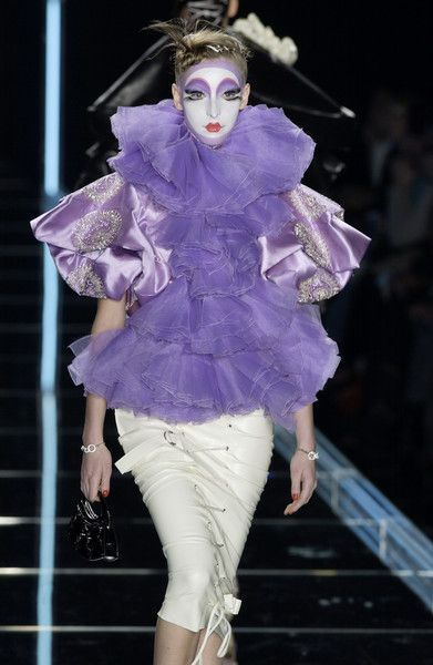 Christian Dior Fall 2003 Runway Pictures -  Christian Dior Fall 2003  - #Christian #Dior #Fall #Pictures #Runway #RunwayFashion2020 #RunwayFashionaesthetic #RunwayFashionalexandermcqueen #RunwayFashioncasual #RunwayFashionchanel #RunwayFashiondior #RunwayFashiondolce&gabbana #RunwayFashionversace #RunwayFashionwomen