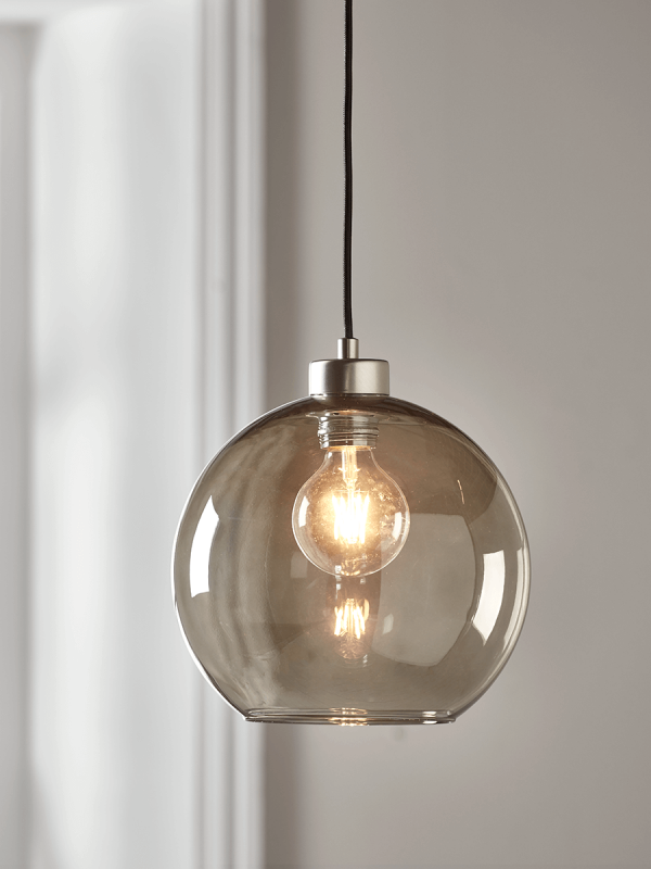 An Easy Trick For Keeping Light Fixtures Sparkling Clean Kitchen