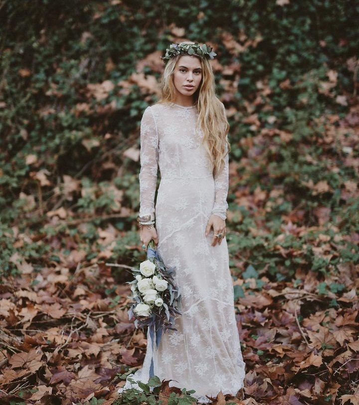 Boho wedding dress #weddingdress #weddinggowns #bohoweddingdress #bohemianweddingdress #bohemian