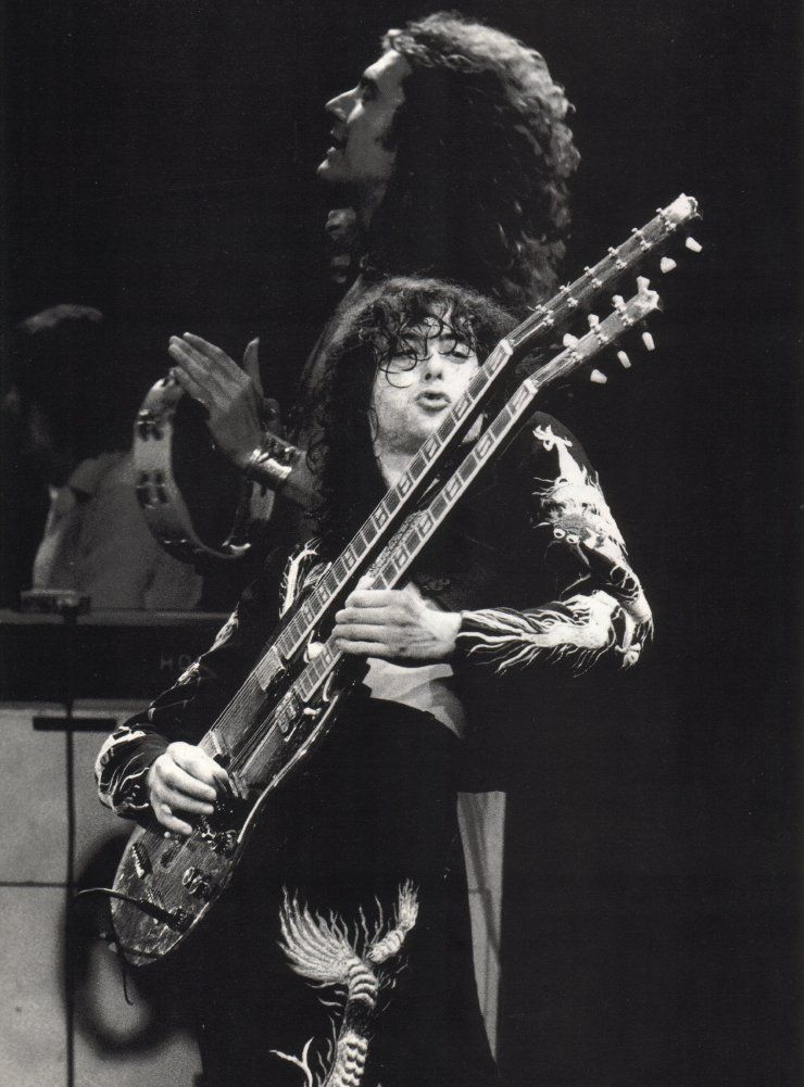 epic jimmy page on a 12 string guitar robert plant breakin hearts my style jimmy page. Black Bedroom Furniture Sets. Home Design Ideas