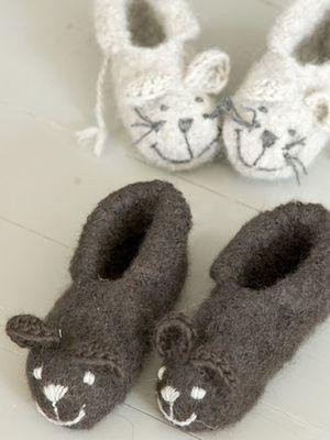 Neulotut ja huovutetut tossut Novita Joki tai Novita Huopanen | Novita knits