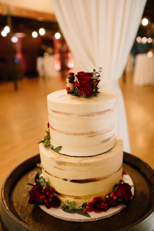 Romantic Winter Wedding In Texas Winter Wedding Planning Winter Wedding Cake Wedding Cake Red