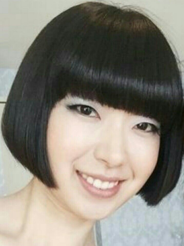Pin By William Spells On Bobcut Pinterest Funky Bob Bobs And