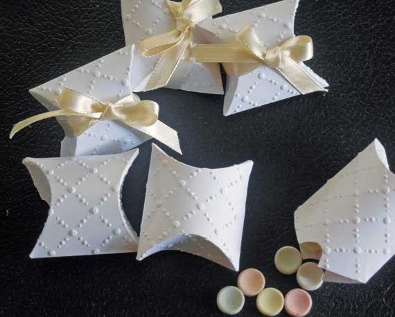 20 Wedding Confetti Box Small Pillow MeerMemories